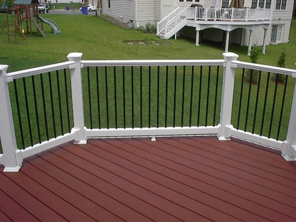 Cleaning Wood and Composite Decks