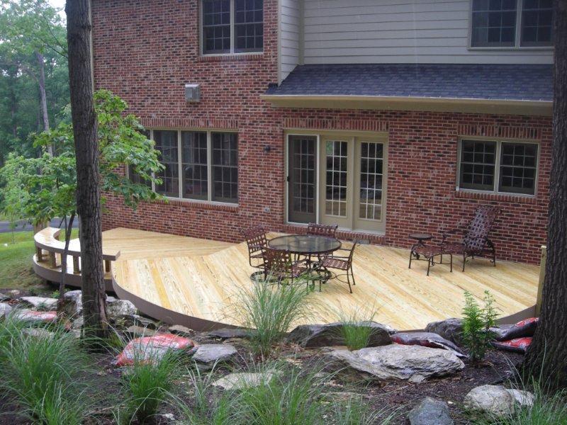 Deck Resurfacing vs. Restoring